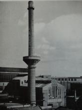 de onlangs beschermde schoorsteen van AGFA-Gevaert in Mortsel